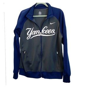 Nike Men's Yankees Sweater